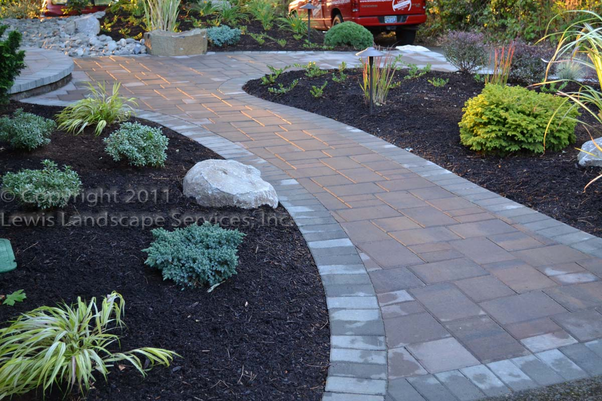 Landscaping With Mulch Ideas : Lewis landscape services inc beaverton oregon barkdust barkdusting portland west side
