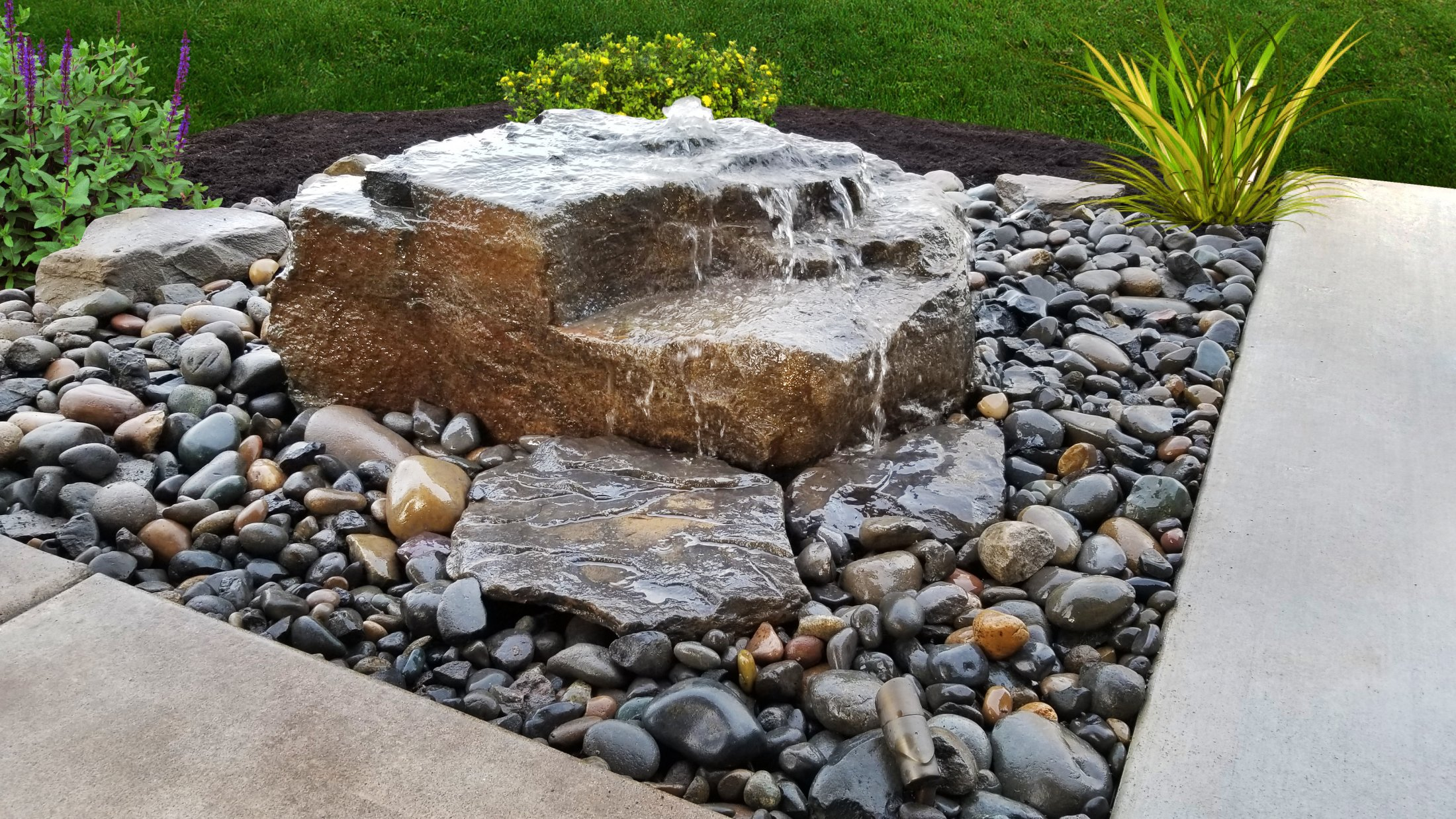 Large Rock Bubbler Fountain