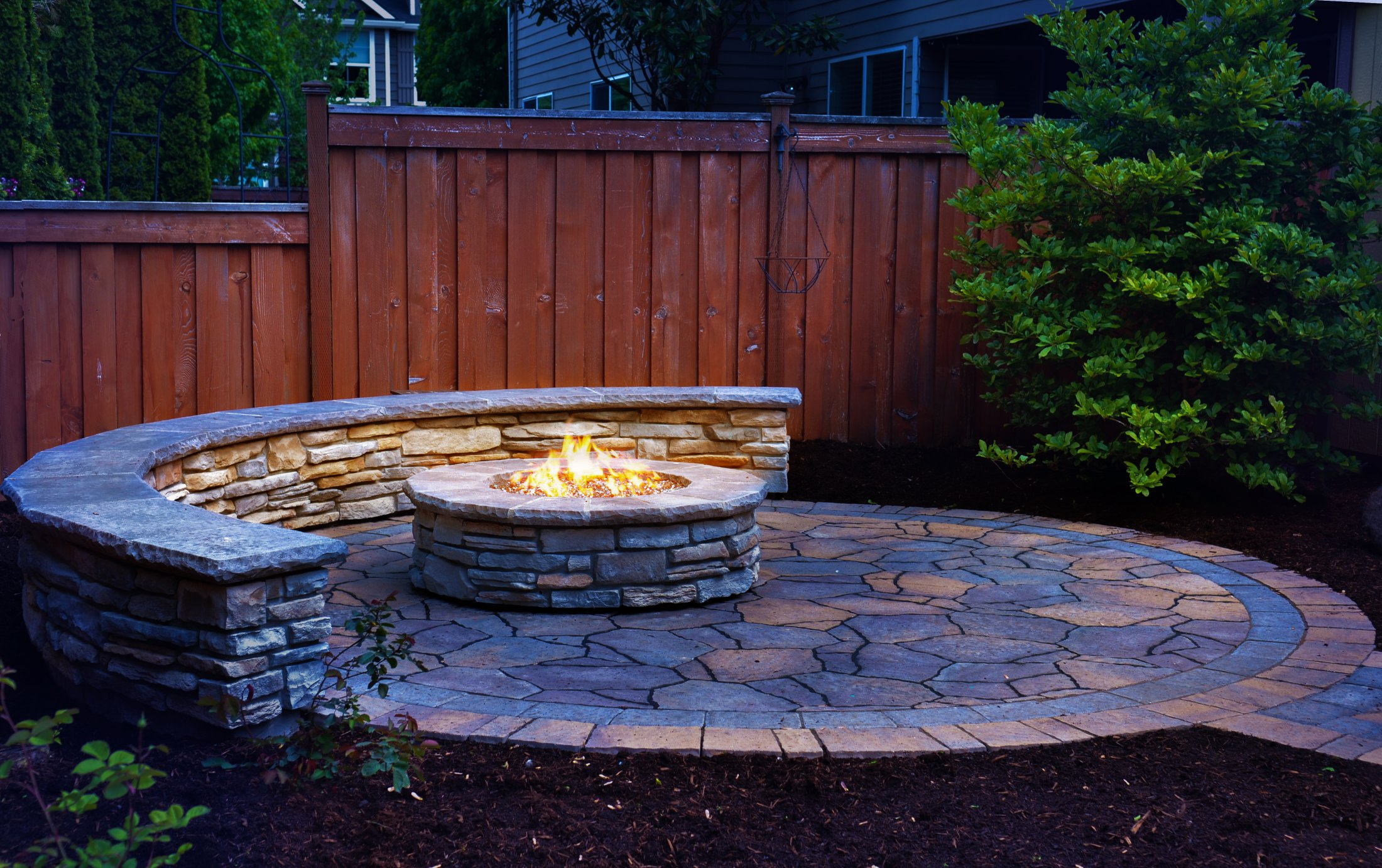 Gas Fire Pit & Seat Wall, Stone Veneer