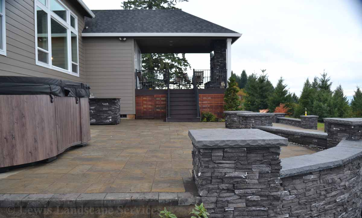 Side View of Paver Patio, Spa, Walls