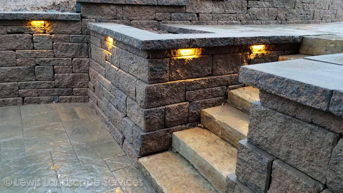 Segmental Retaining Wall & Steps w/ Hardscape Lighting