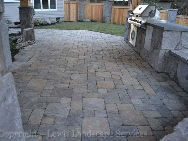 Paver Patios Incorporated Into Outdoor Living Areas