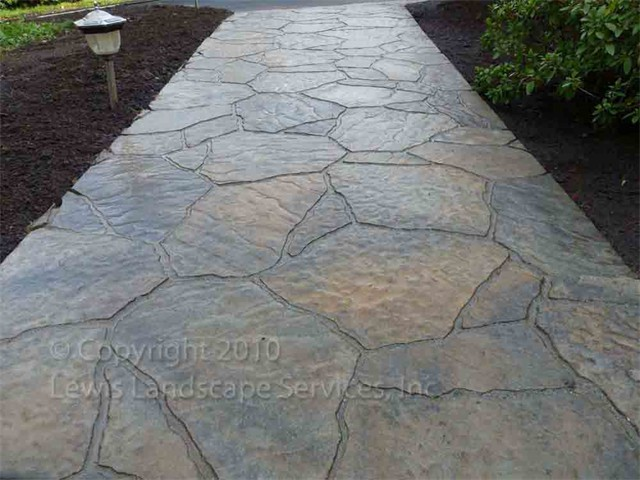 Concrete Pavers with the Natural Look of Flagstone