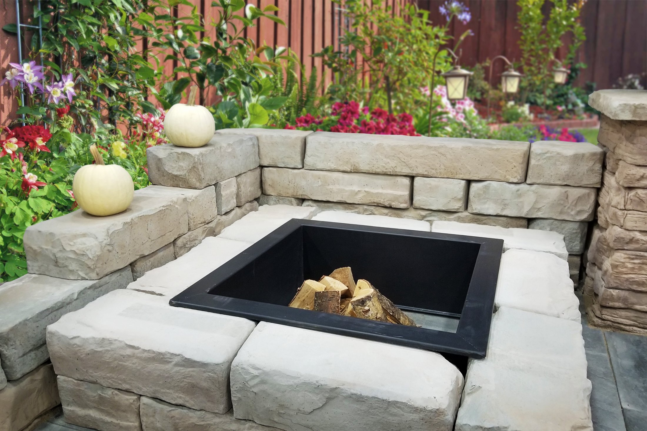 Seat Wall made with Kodah Wall Block by Rosetta Hardscapes