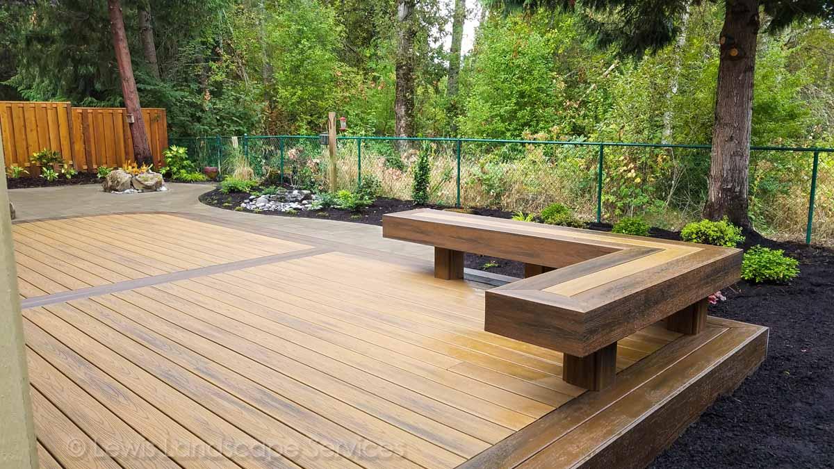 TimberTech Deck w/ Bench