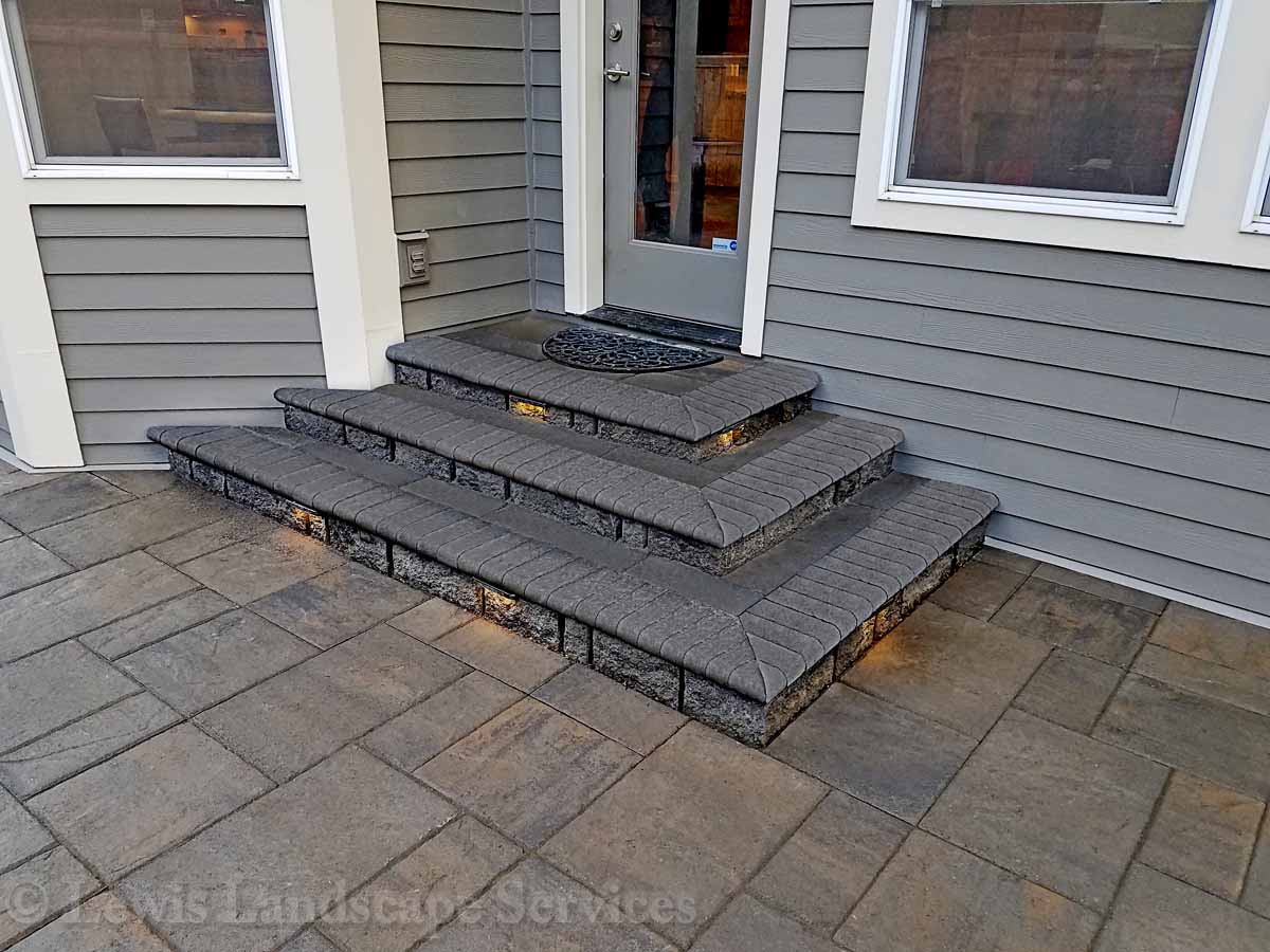 Paver Landing & Steps Down to Paver Patio