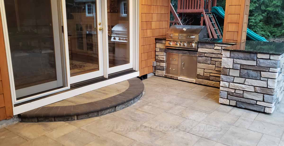 Built-in Outdoor Kitchen, Paver Patio & Step