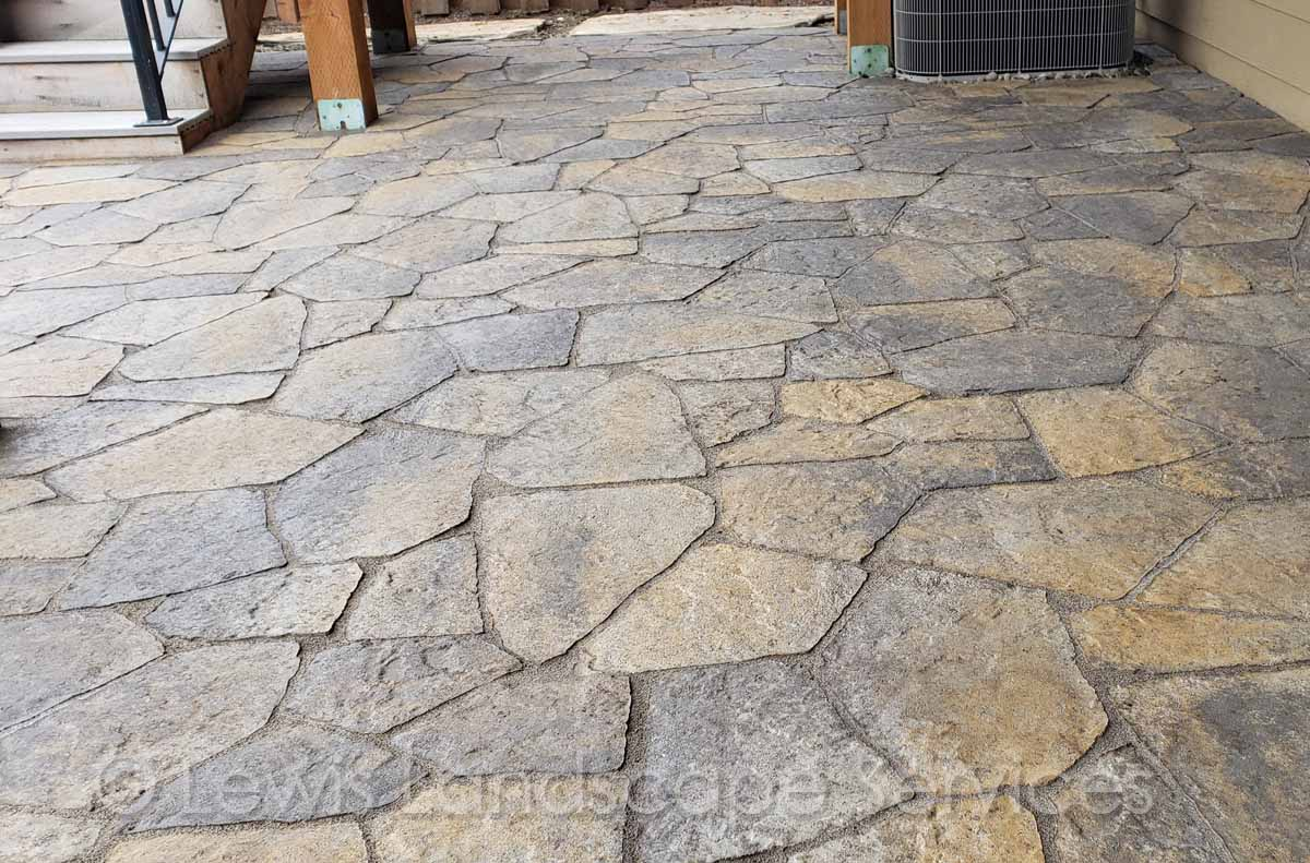 Wood2018wClose-up of Paver Patio