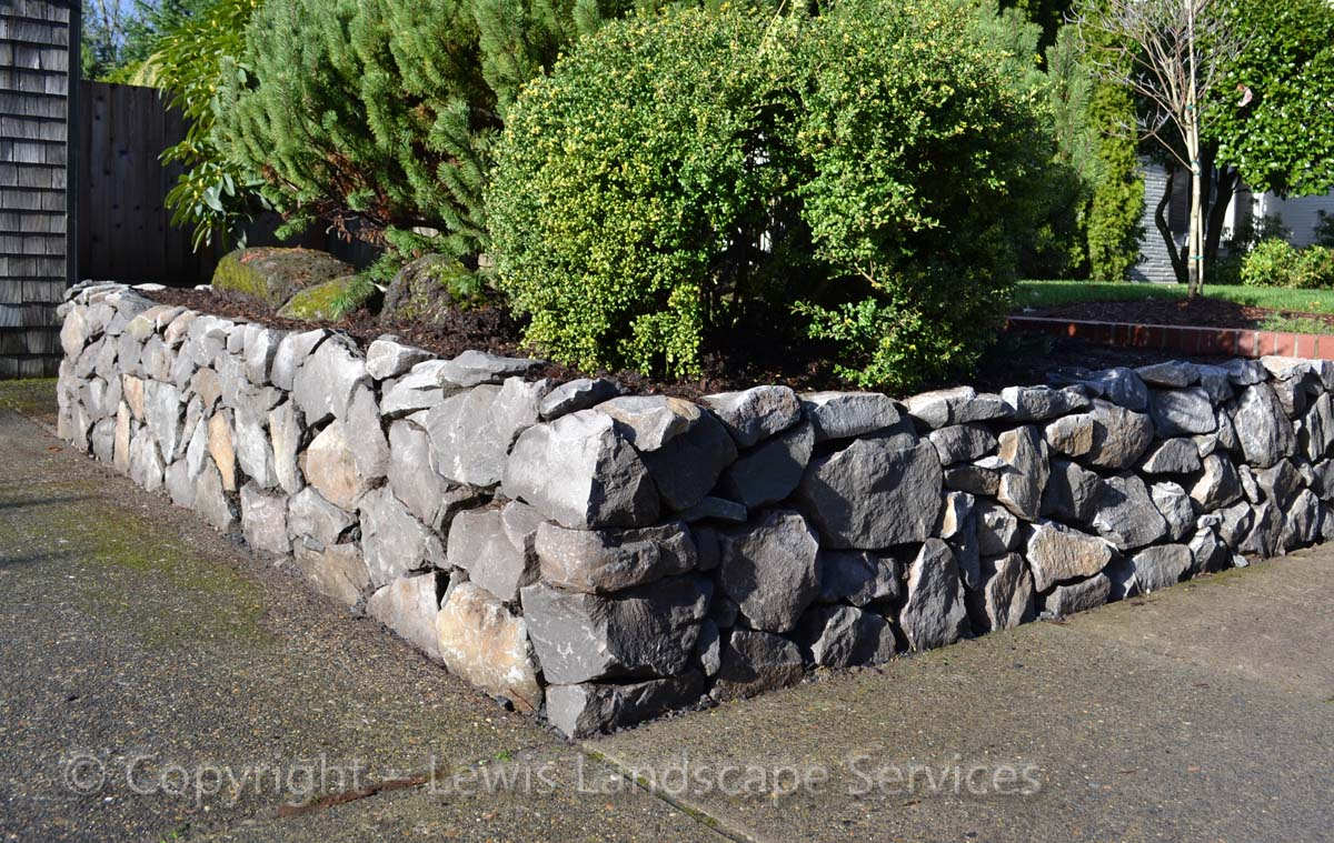 Basalt-rock-walls-steps-benton-project-winter-2011 003
