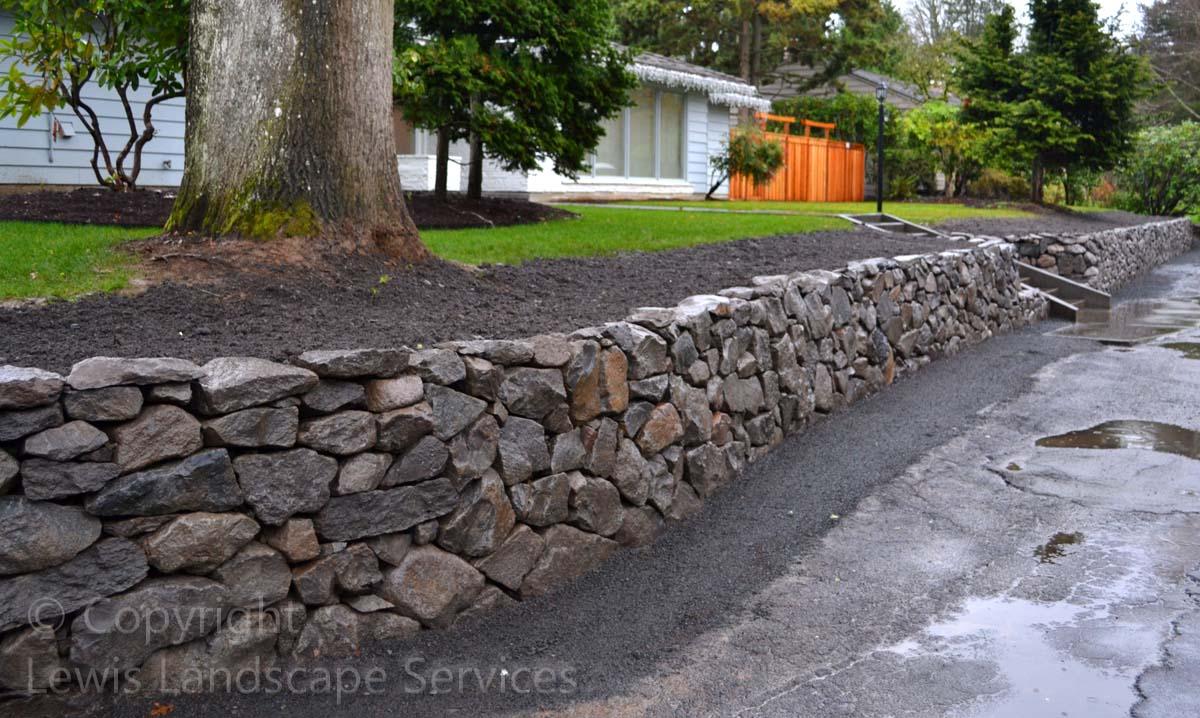 Basalt-rock-walls-steps-lindner-project-winter-2012 002