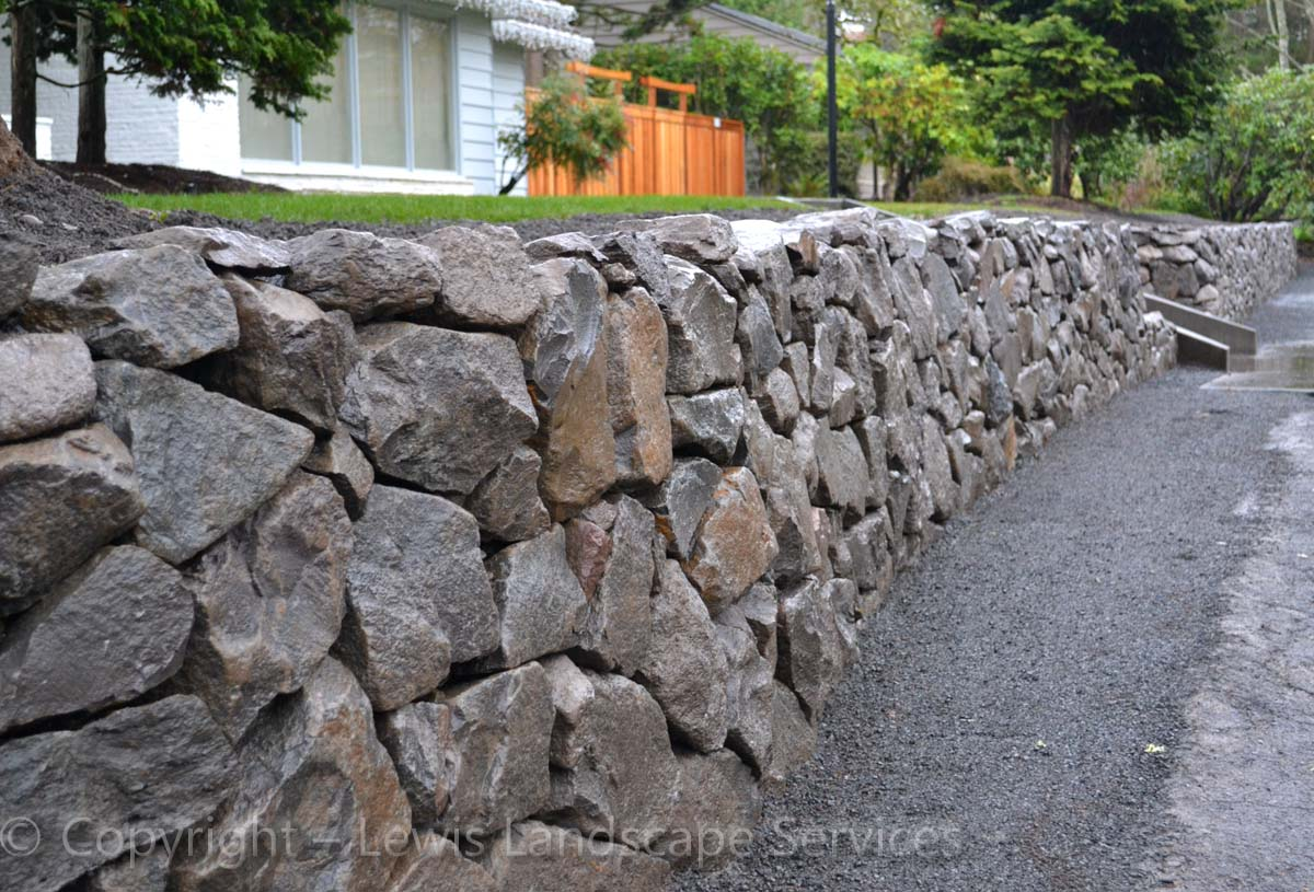 Basalt-rock-walls-steps-lindner-project-winter-2012 003