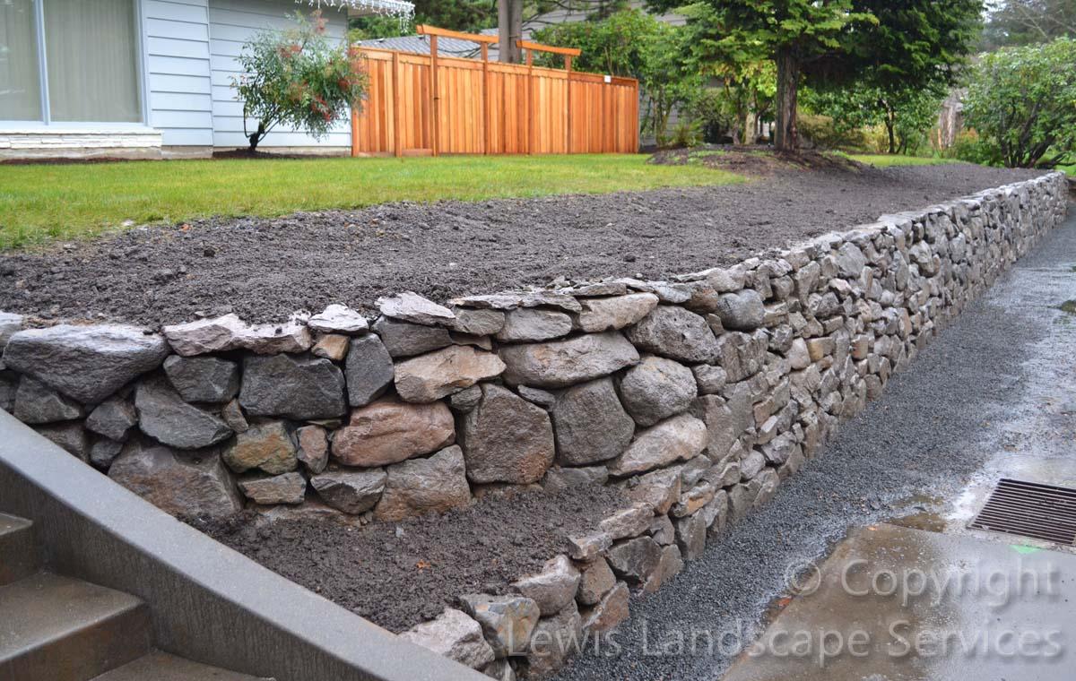 Basalt-rock-walls-steps-lindner-project-winter-2012 006
