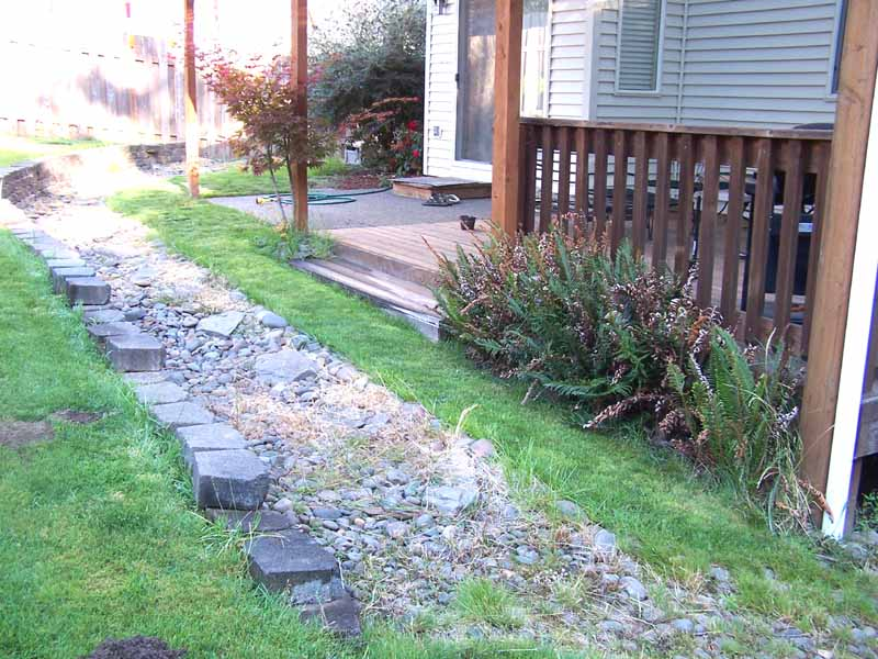 Before-after-large-flagstone-patio 002