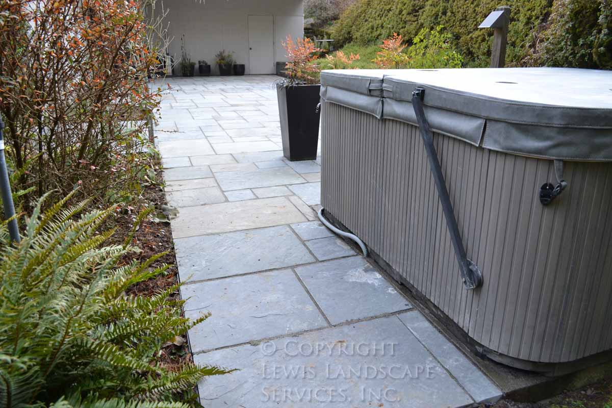 Bluestone-patios-and-walkways-gripekoven-project-winter-2011-dry-photos 006
