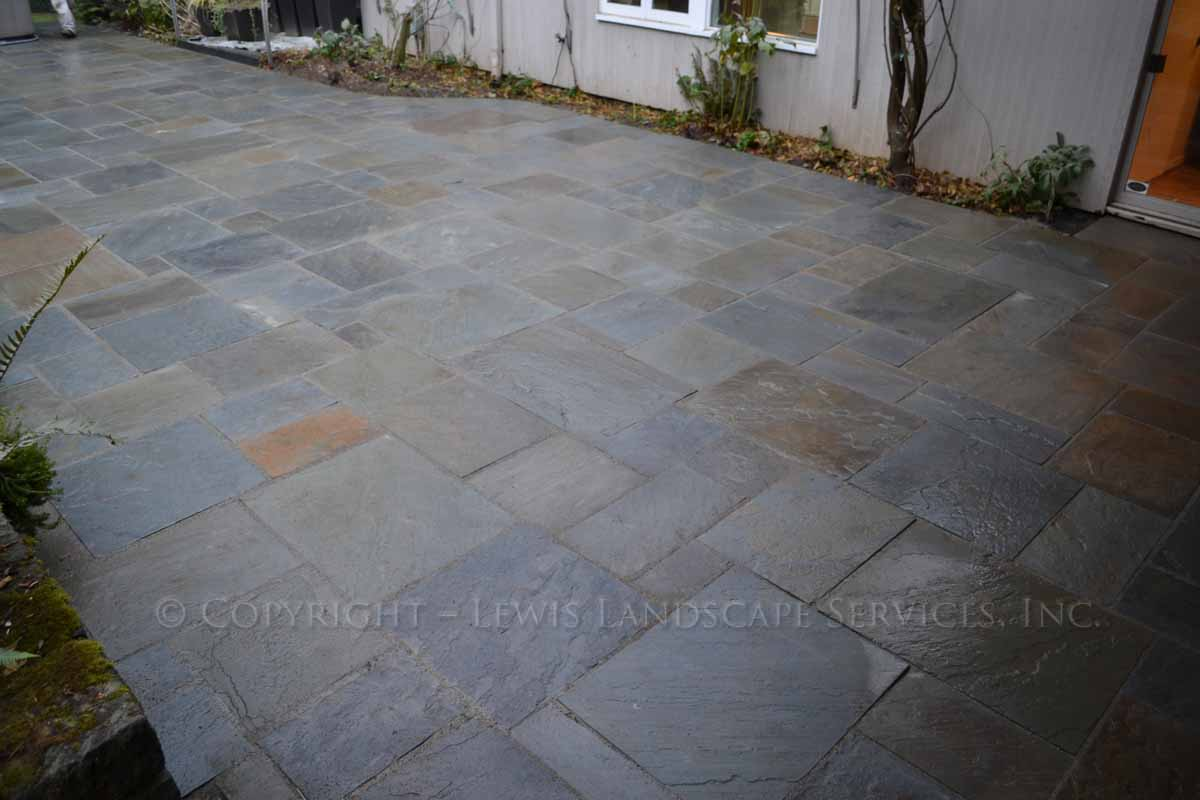 Bluestone-patios-and-walkways-gripekoven-project-winter-2011-wet-photos 002