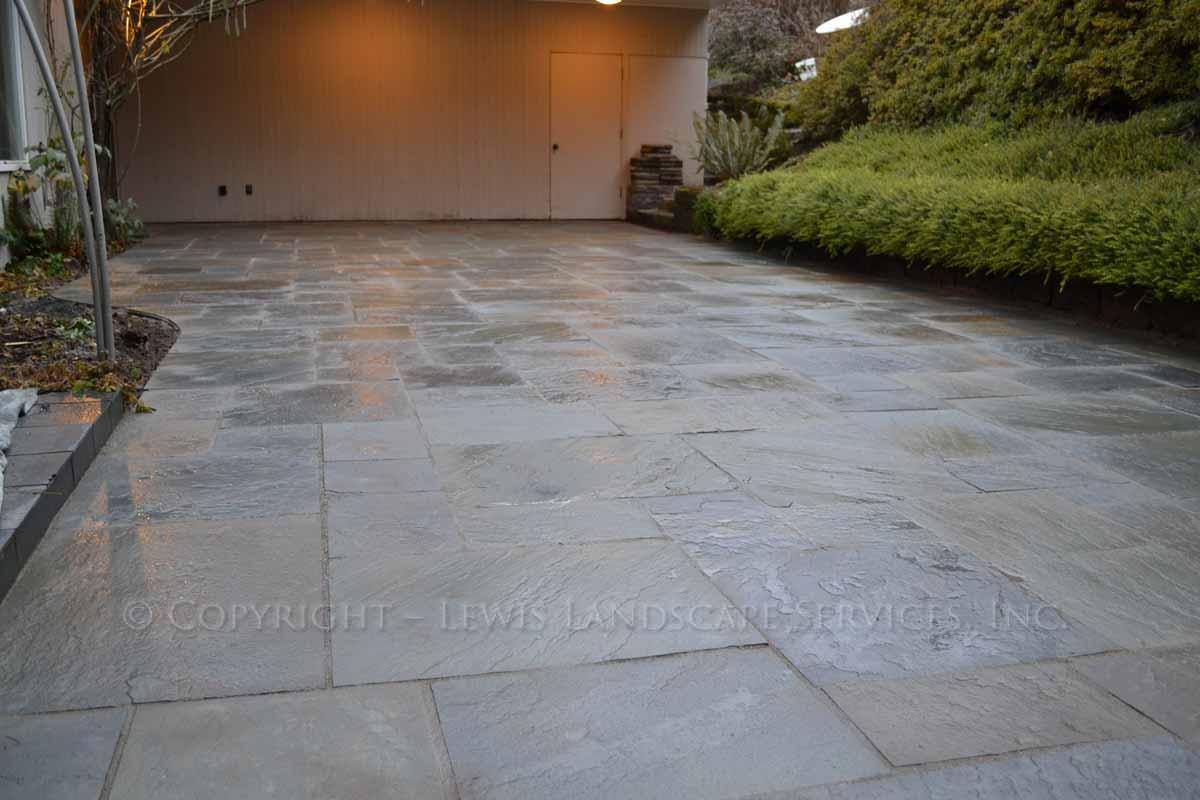 Bluestone-patios-and-walkways-gripekoven-project-winter-2011-wet-photos 003