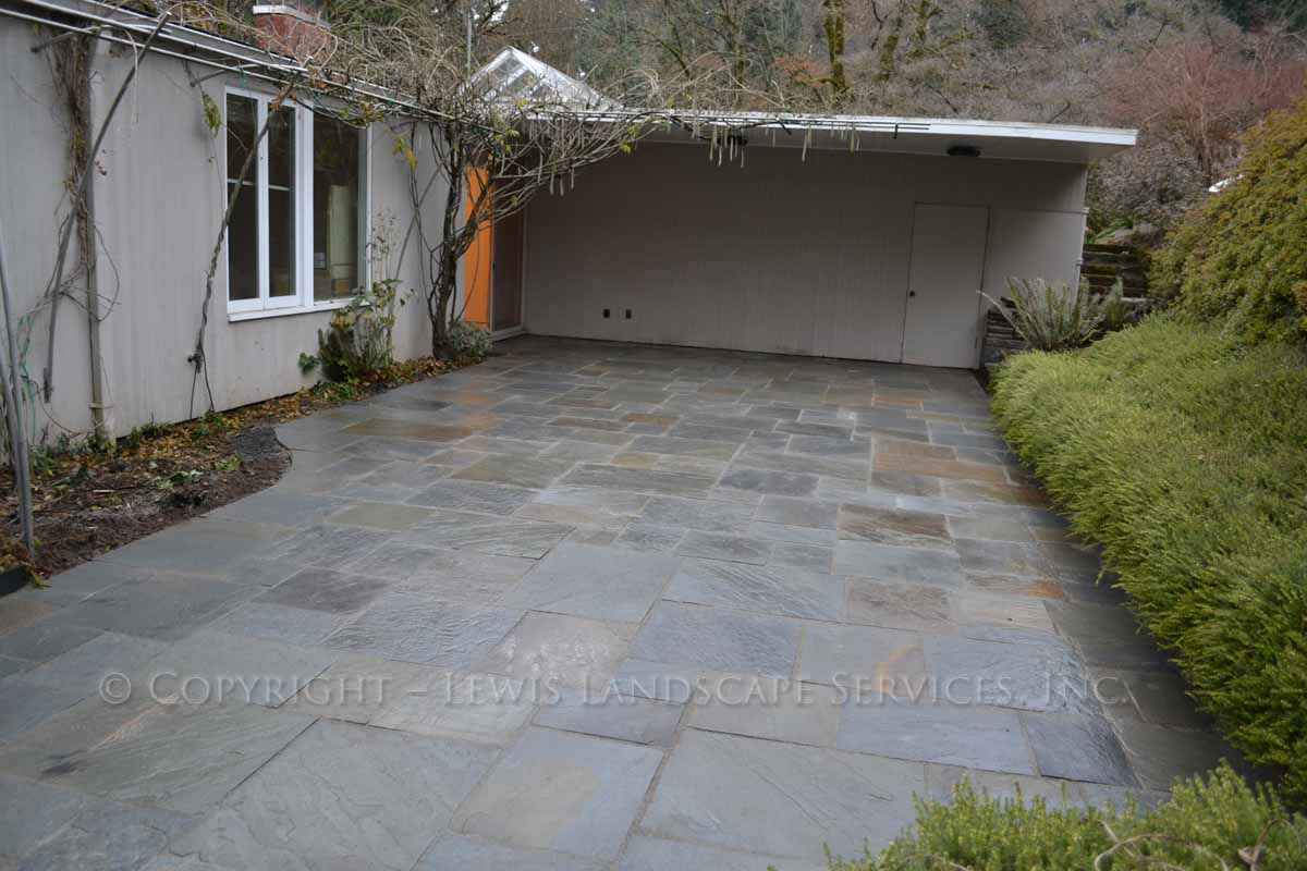 Bluestone-patios-and-walkways-gripekoven-project-winter-2011-wet-photos 004
