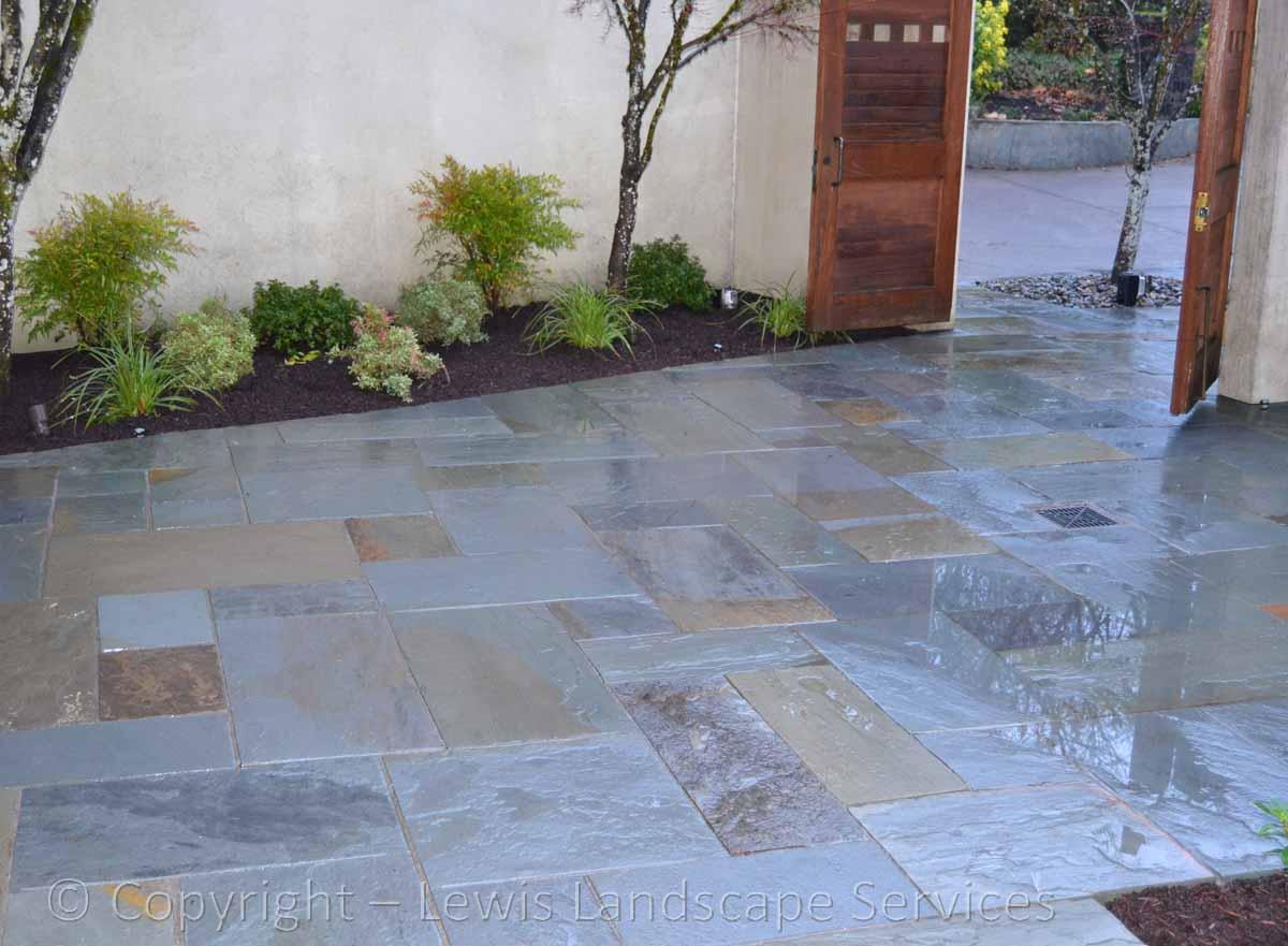 Bluestone-patios-and-walkways-mulligan-project-summer-2016 005