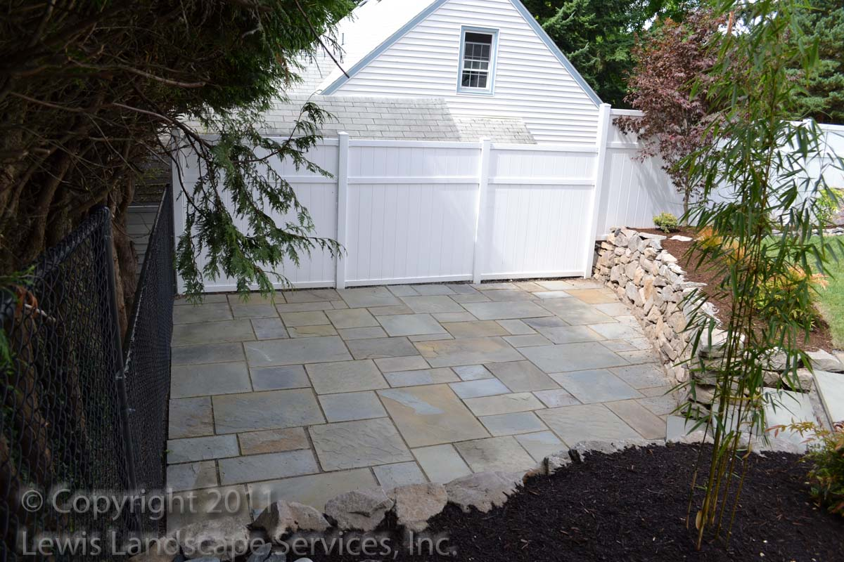 Bluestone-patios-and-walkways-palmer-project-fall-2010-dry-photos-8-months-later-aug-2011 004