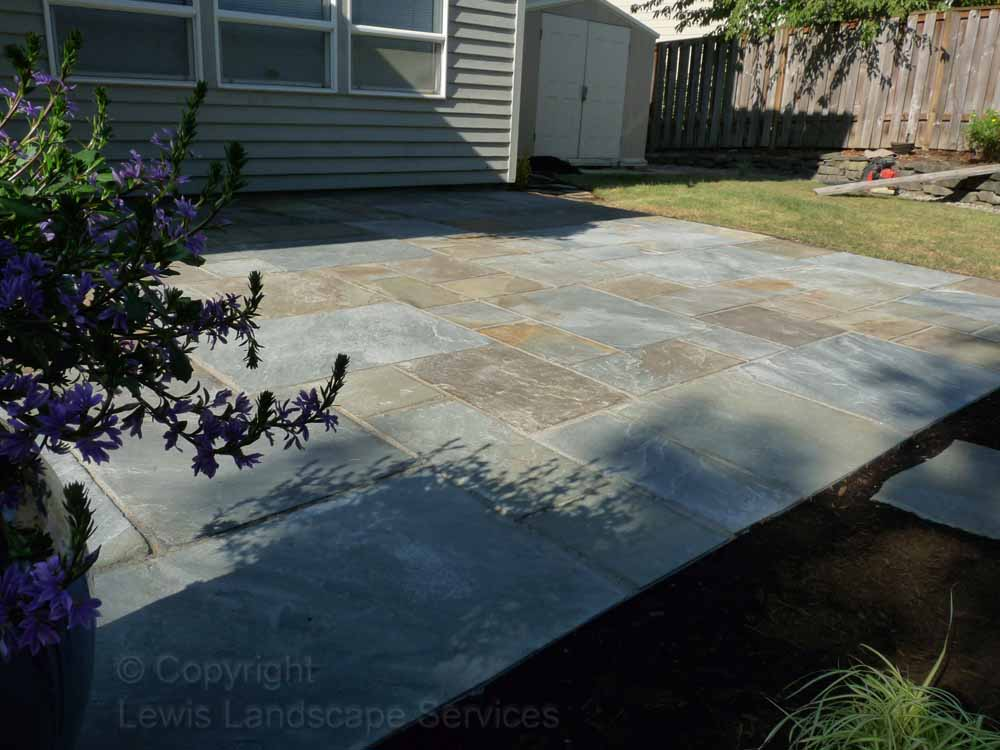 Bluestone-patios-and-walkways-rosencrans-project-summer-2010 003