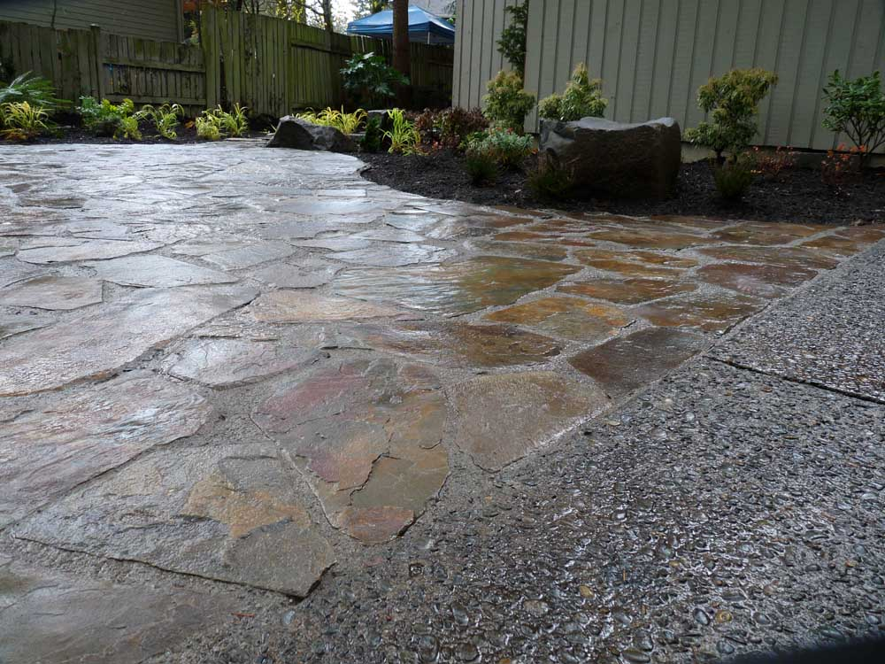 Full-landscape-projects-arthur-project-fall-2009-flagstone-patio-front-yard 000