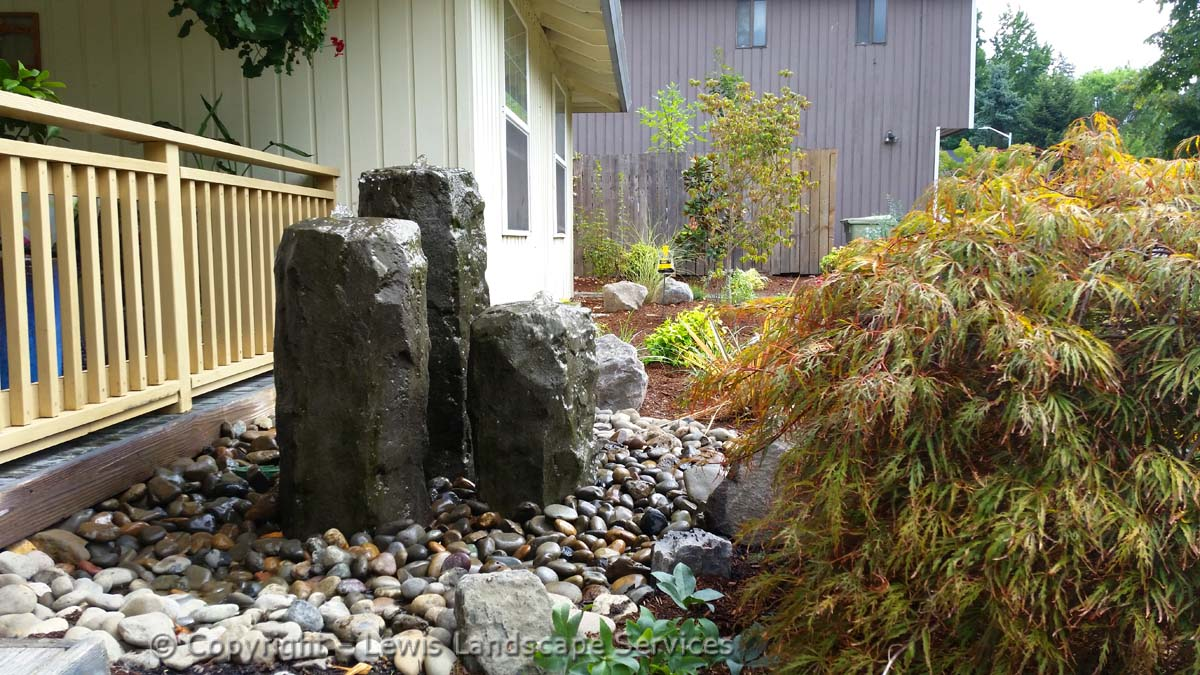 Front Yard 3-Rock Bubbler Fountain Water Feature