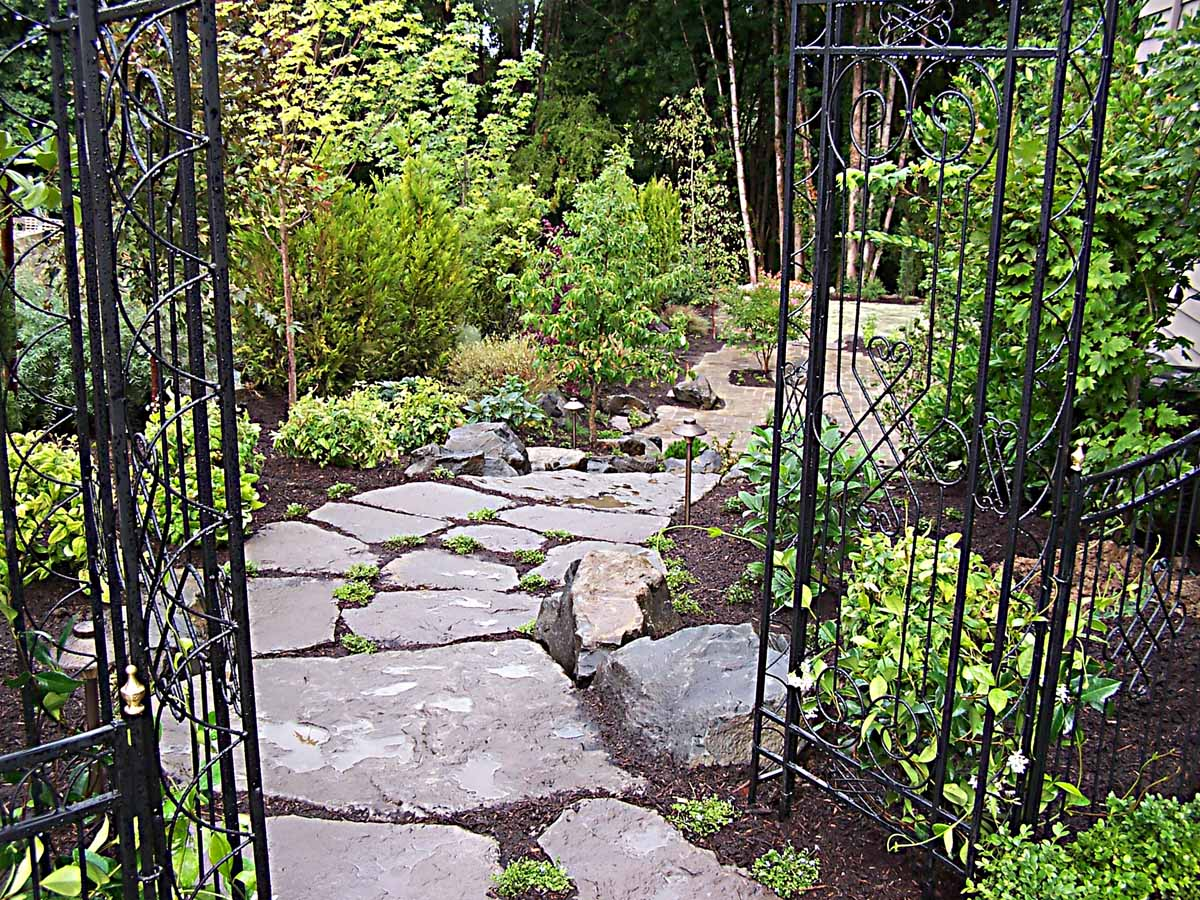 Full-landscape-projects-malone-project-2008-arbor-transition-to-back-yard 001