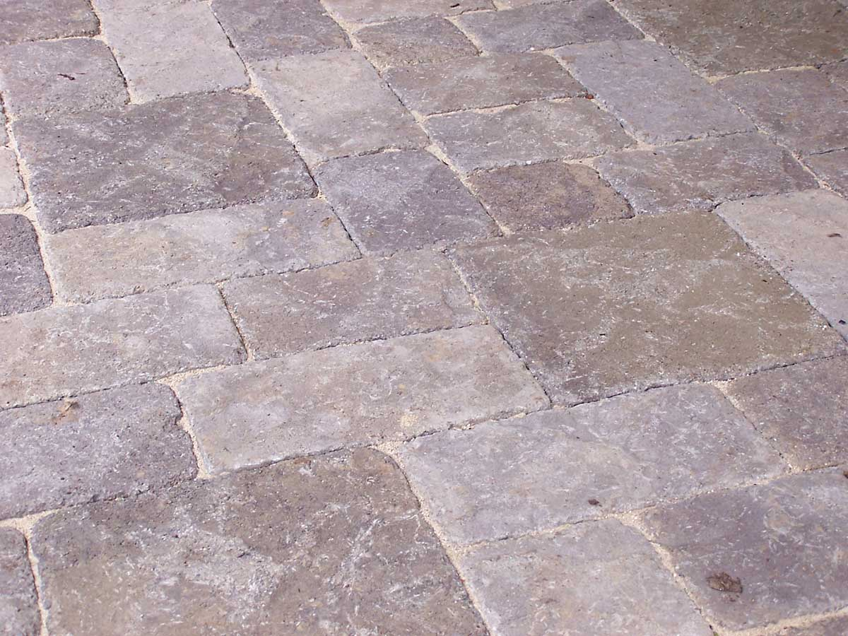 Full-landscape-projects-malone-project-2008-close-ups-of-paver-work 003