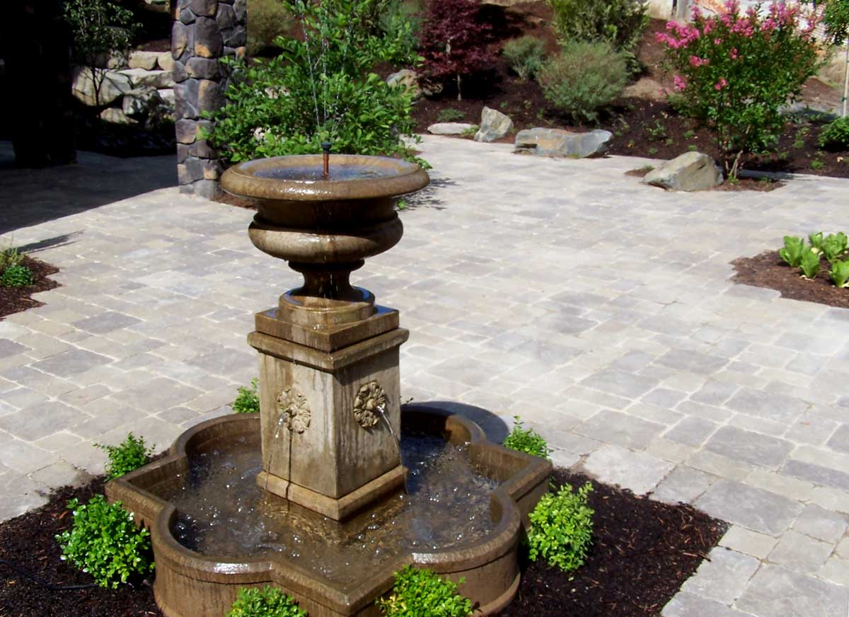 Full-landscape-projects-malone-project-2008-fountain-paver-patio 000