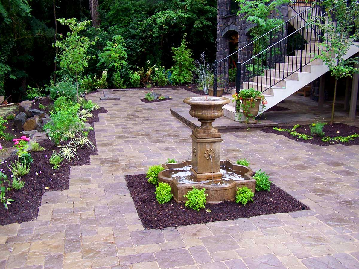 Full-landscape-projects-malone-project-2008-fountain-paver-patio 001