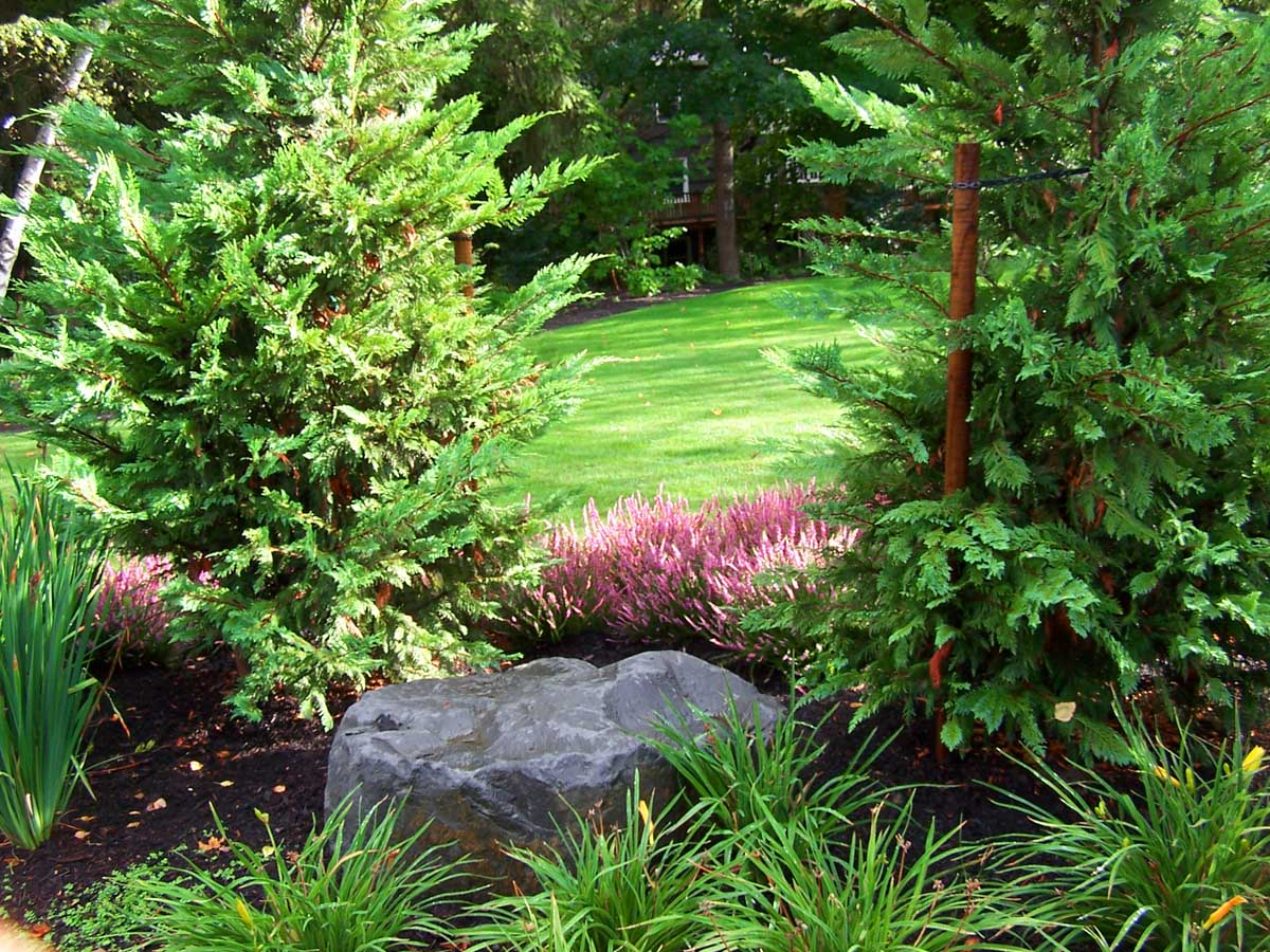 Full-landscape-projects-malone-project-2008-front-yard-driveway-area 002