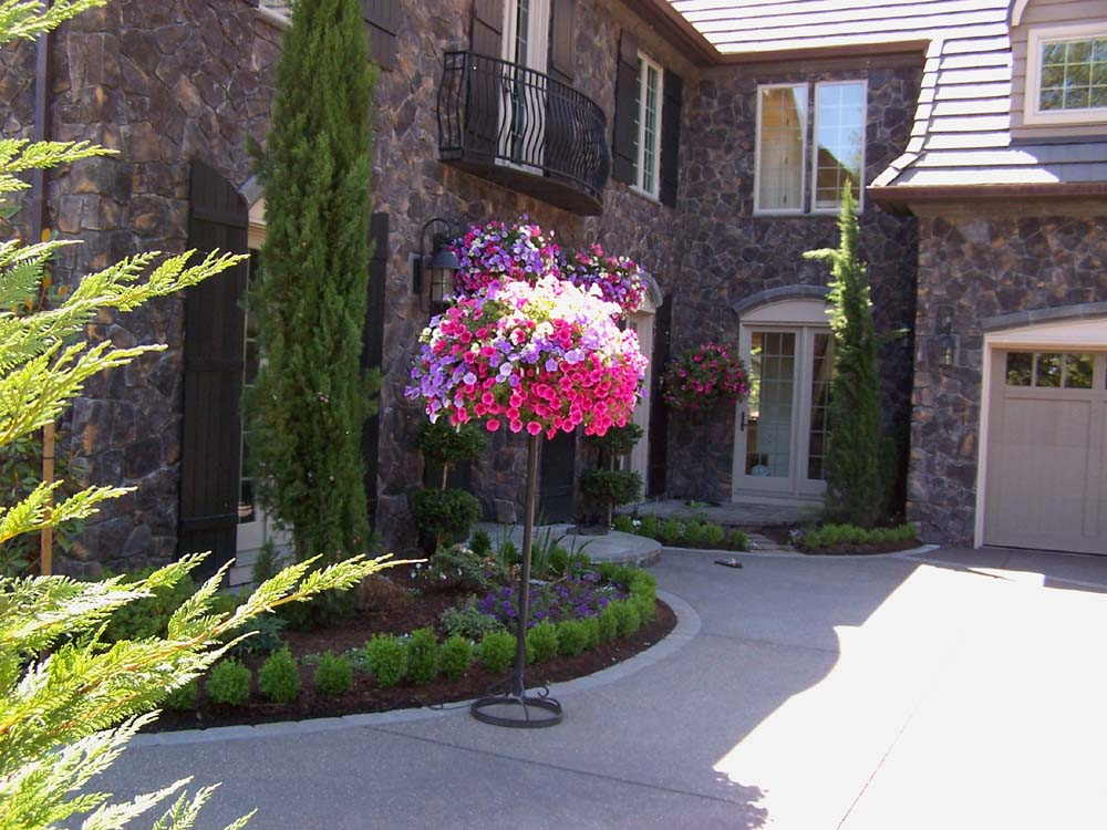 Full-landscape-projects-malone-project-2008-front-yard-driveway-area 005