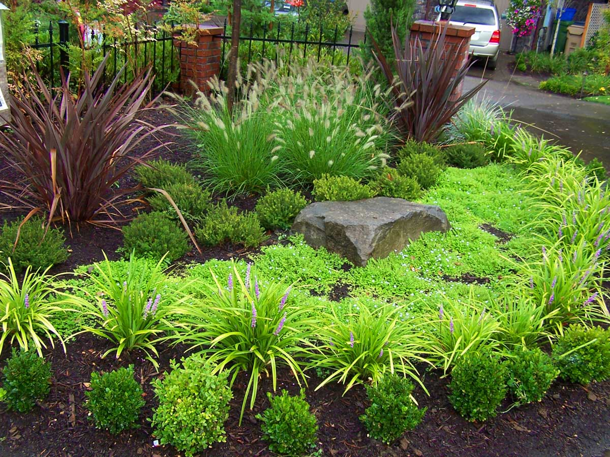 Full-landscape-projects-malone-project-2008-front-yard-driveway-area 010
