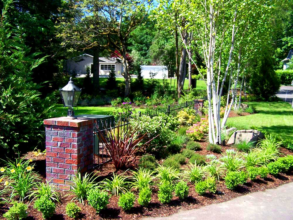 Full-landscape-projects-malone-project-2008-front-yard-driveway-area 011