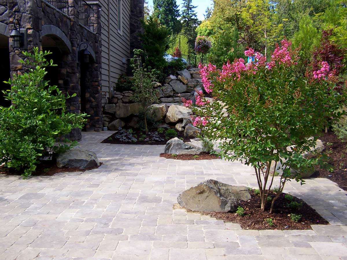 Full-landscape-projects-malone-project-2008-north-side-of-paver-patio 001