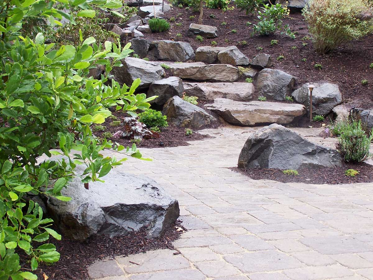 Full-landscape-projects-malone-project-2008-north-side-of-paver-patio 002