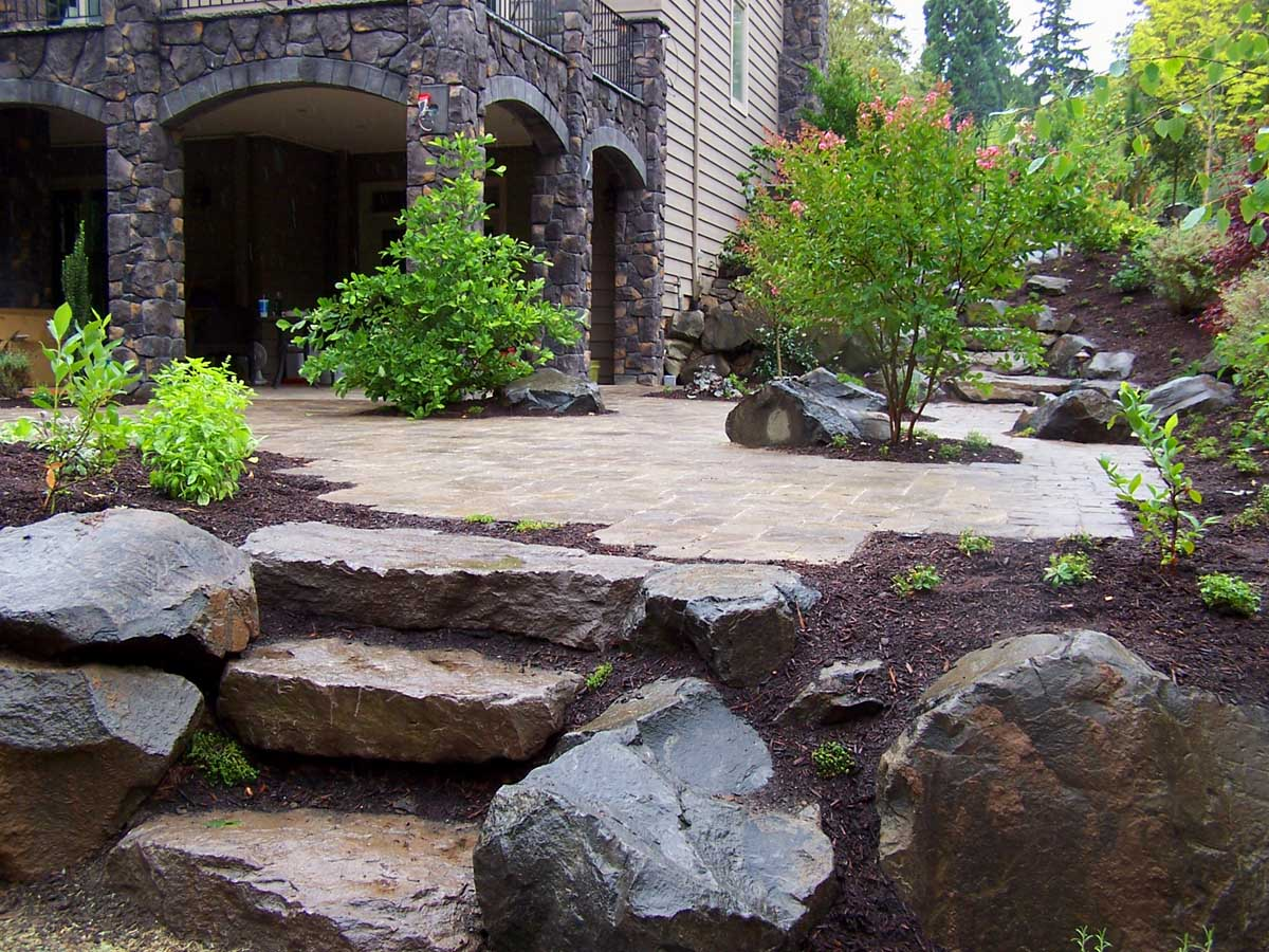 Full-landscape-projects-malone-project-2008-north-side-of-paver-patio 003