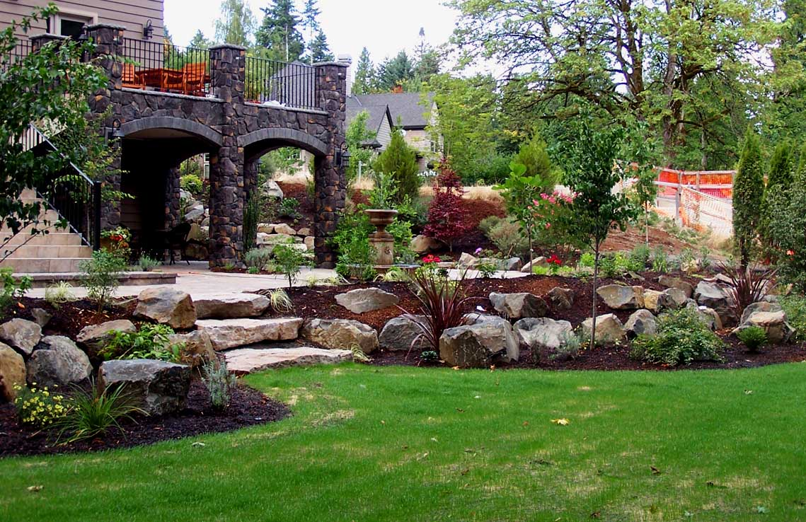 Full-landscape-projects-malone-project-2008-overall-back-yard 000