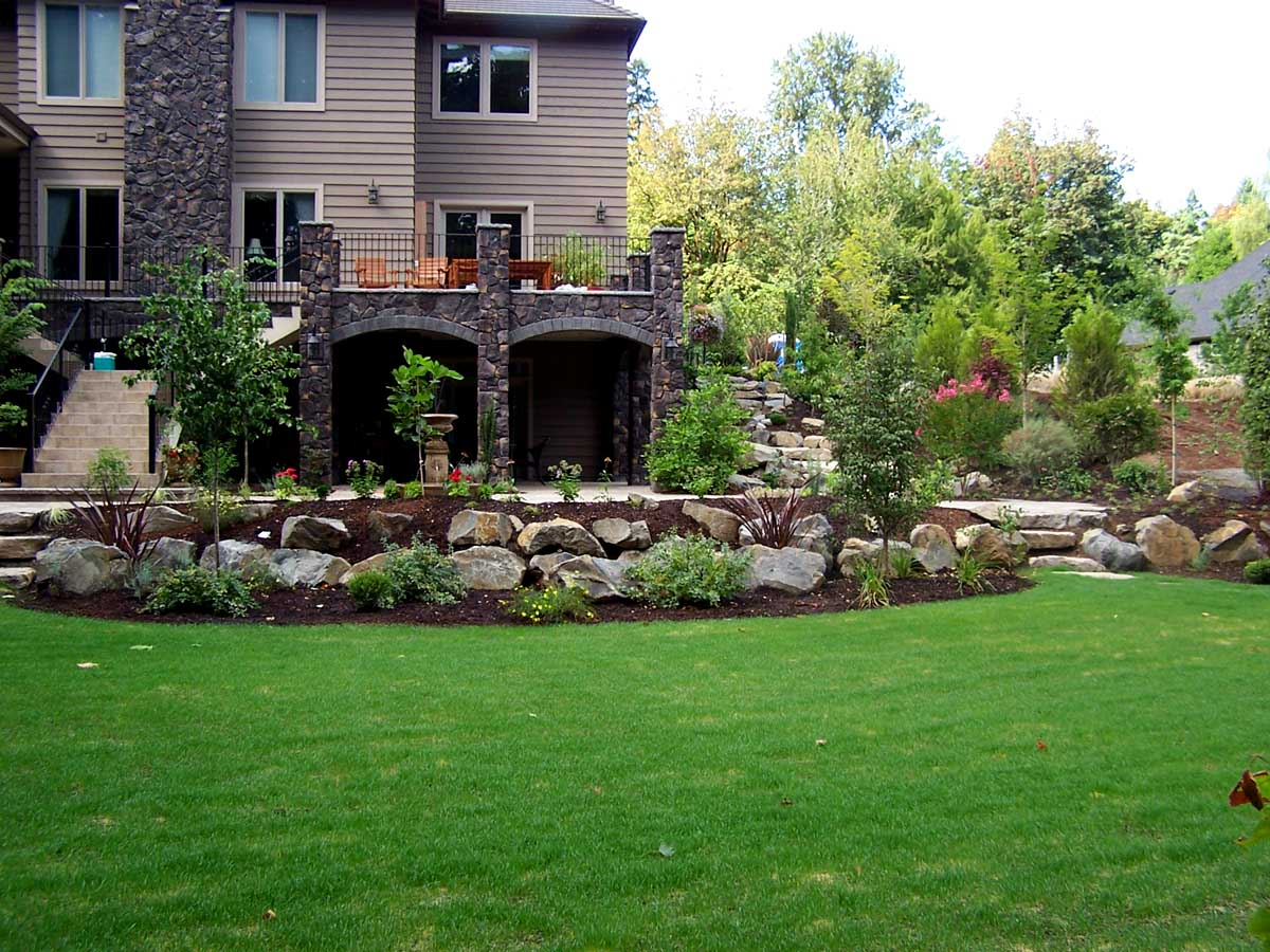 Full-landscape-projects-malone-project-2008-overall-back-yard 002