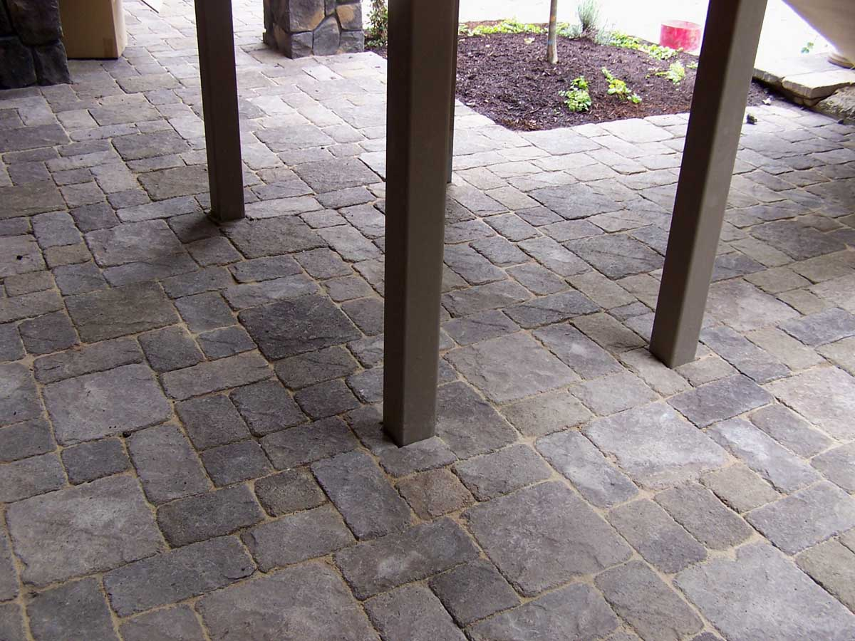 Full-landscape-projects-malone-project-2008-paver-patio-under-deck 003