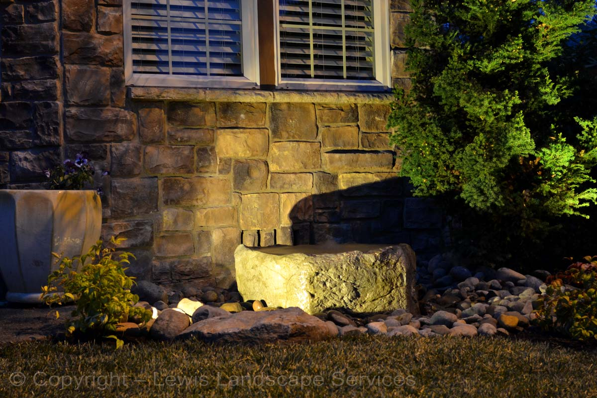 Rock Bubbler Fountain with Night Lighting