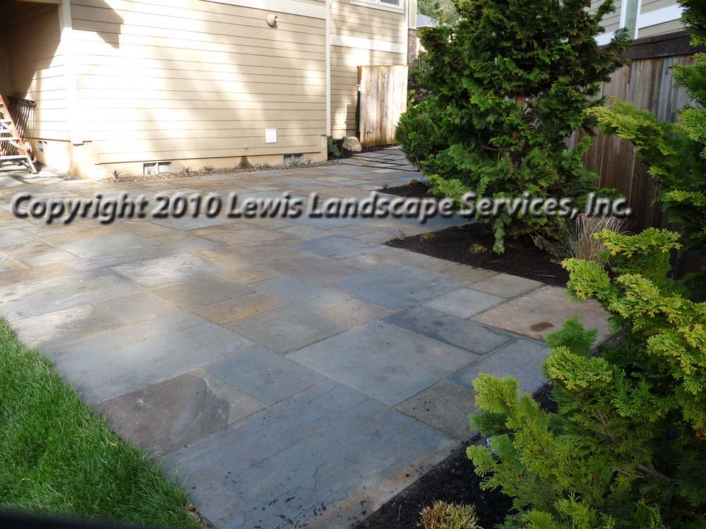 Full-landscape-projects-ruskay-project-spring-2010-bluestone-patio 006