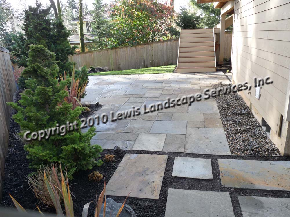 Full-landscape-projects-ruskay-project-spring-2010-bluestone-patio 012