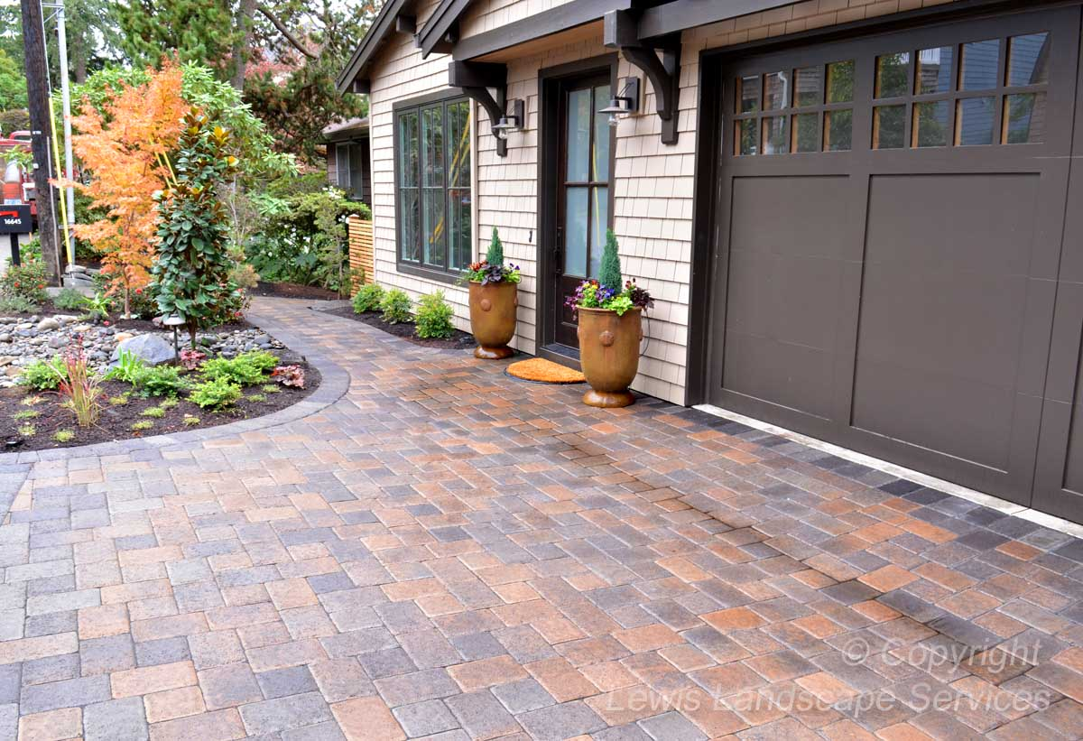 Full-landscape-projects-shanaberger-project-summer-15-front-yard-paver-driveway 001