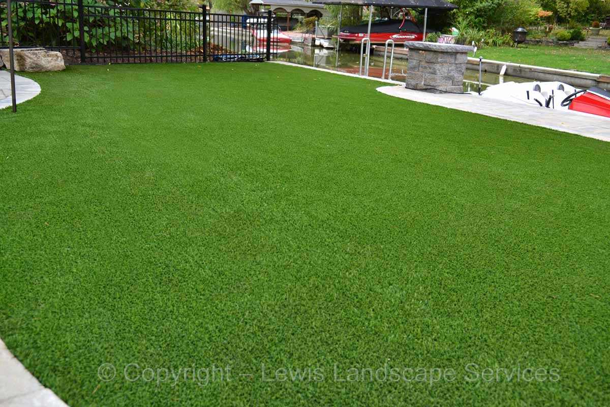 Full-landscape-projects-shanaberger-project-summer-15-synthetic-turf 001