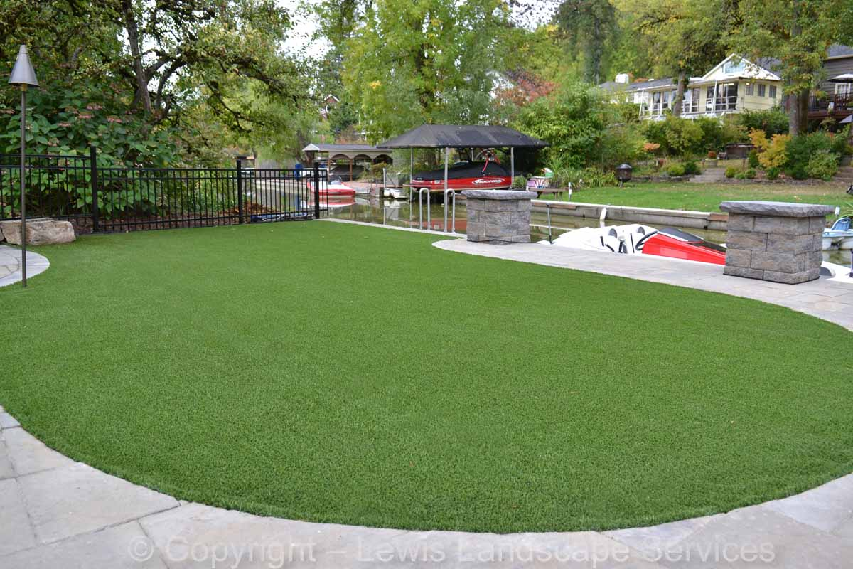 Full-landscape-projects-shanaberger-project-summer-15-synthetic-turf 002