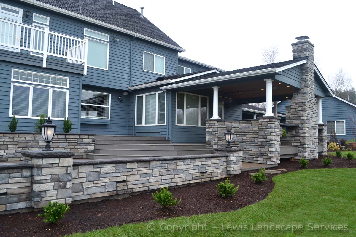 Stone Seat Wall & Covered Outdoor Living Room