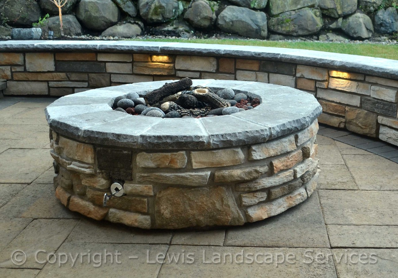 Fire Pit, Seat Wall, LED Lighting