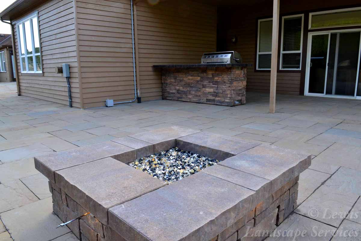 Fire Pit, Covered Area, Outdoor Kitchen