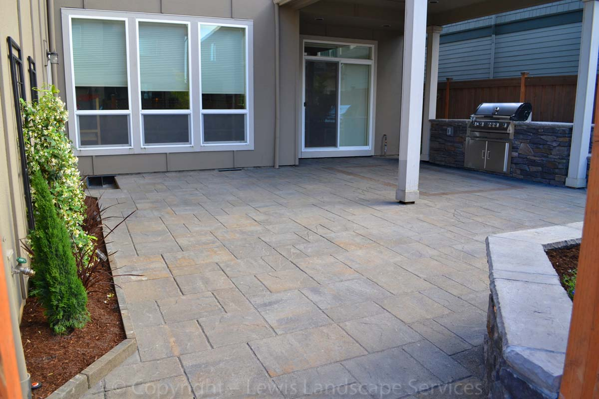 Our-feature-projects-patel-project-back-yard 002